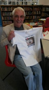Brian of the Friends of Stirchley Park donated a t-shirt at the drop-in session.
